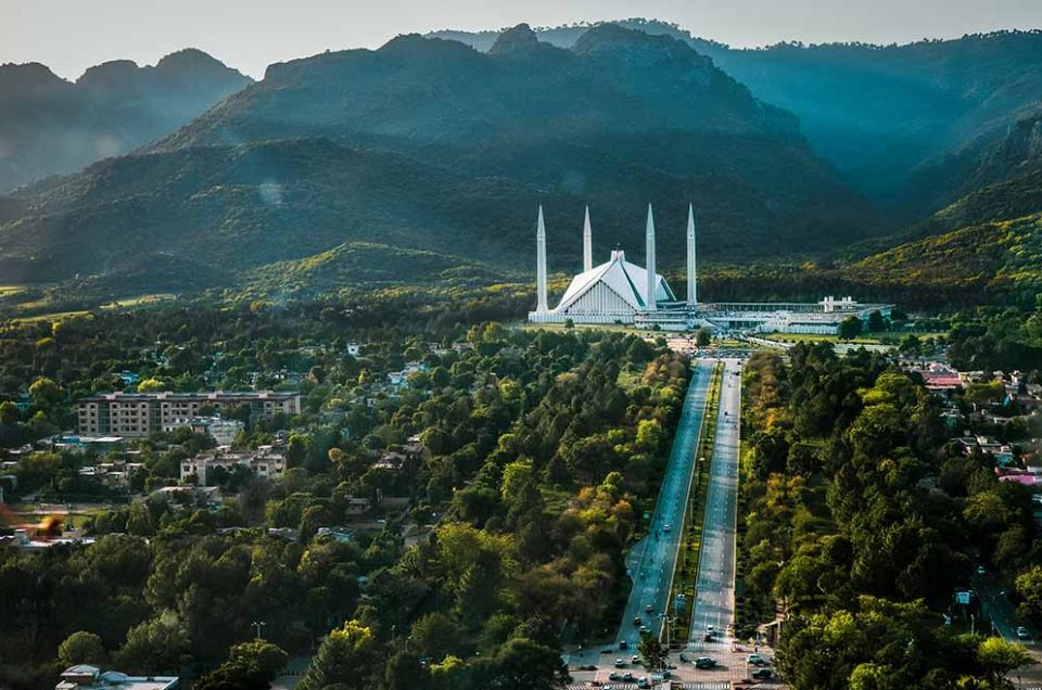 Pakistan Opens up to Tourism
