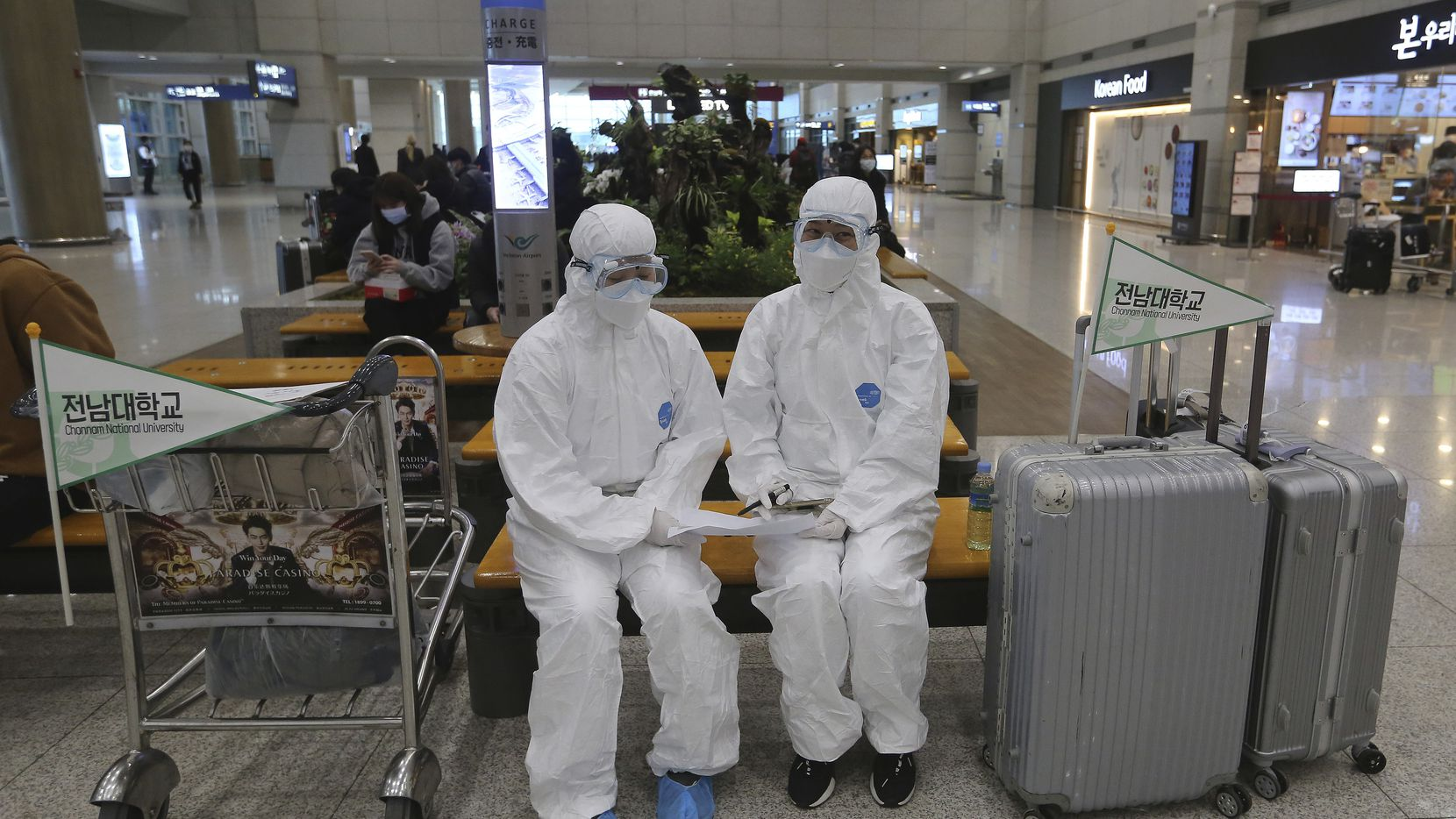 The Guardian: China reports no domestic cases of coronavirus for first time since outbreak began